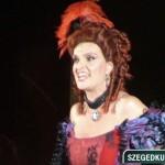 Janza Kata Belle szerepében