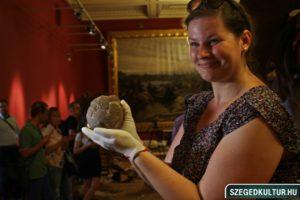 Dínó tojás a Móra Ferenc Múzeumban