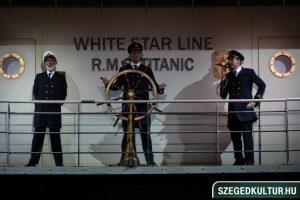 Jelenet a Titanic musicalből