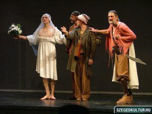 Jelenet a Szegedi Nemzeti Színház Szentivánéji álom előadásáből