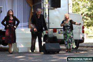 Szeged napja 2020 színházi flashmob a Széchenyi téren