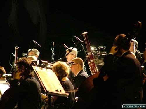ajandekkoncert2012007