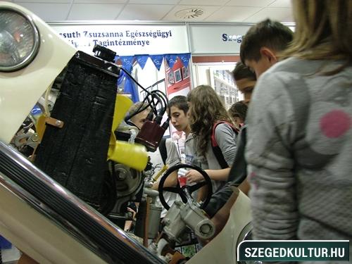 oalyavalasztasivasar2012osz006