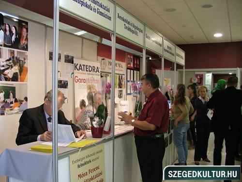 oalyavalasztasivasar2012osz009