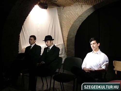 SZESZ-Rohadt-az-allamgepben-valami001
