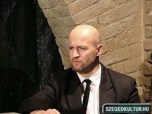SZESZ-Rohadt-az-allamgepben-valami036