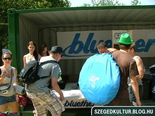 SZIN2012elso048