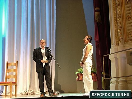 szinhazievadnyito-2012001