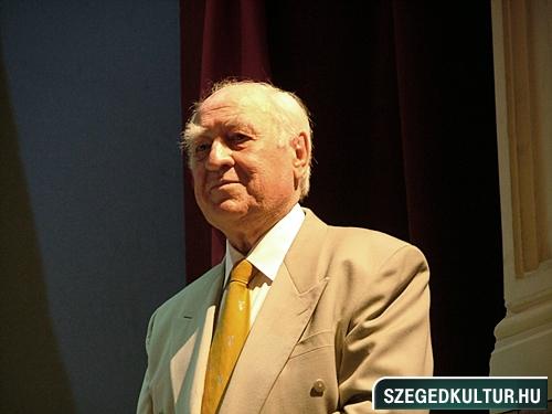 szinhazievadnyito-2012002