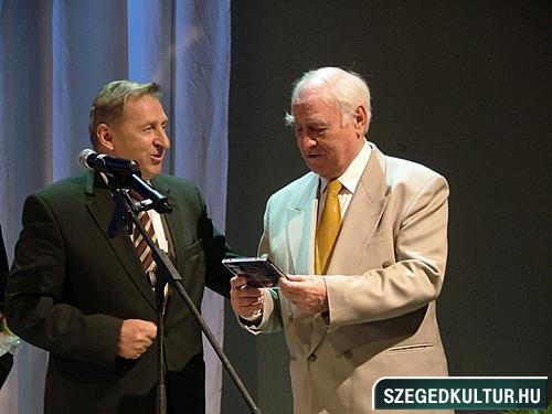 szinhazievadnyito-2012004