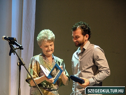 szinhazievadnyito-2012009