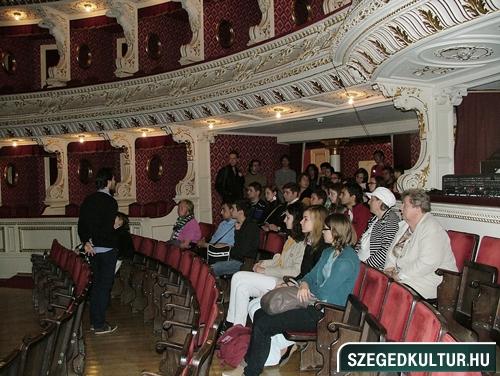 szinhazi-nyilt-nap2012oktober001