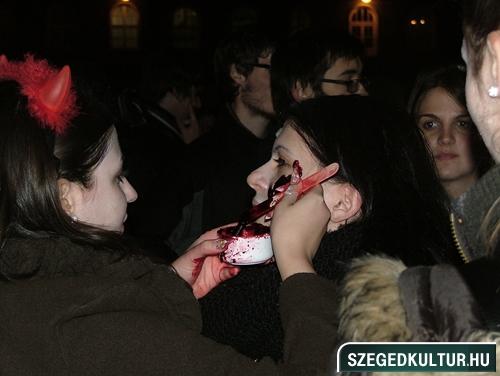 Vampirok-es-zombikfmob2012001