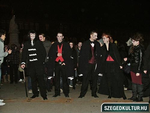 Vampirok-es-zombikfmob2012008