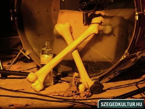Vampirok-es-zombikfmob2012018