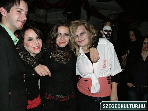 Vampirok-es-zombikfmob2012024