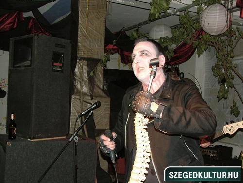 Vampirok-es-zombikfmob2012025