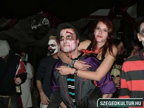 Vampirok-es-zombikfmob2012027