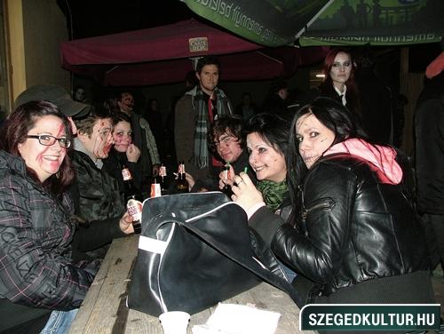 Vampirok-es-zombikfmob2012031