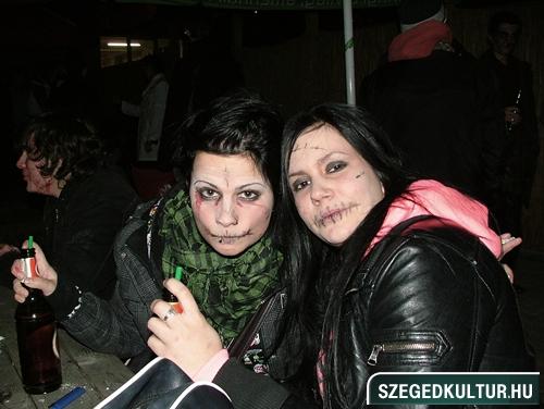 Vampirok-es-zombikfmob2012032