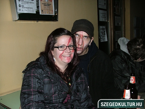 Vampirok-es-zombikfmob2012033